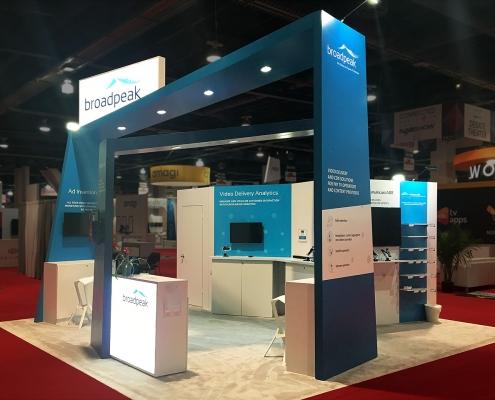 Stand-sur-Mesure-Broadpeak-NAB-2018-Kiosque-Accueil-Client