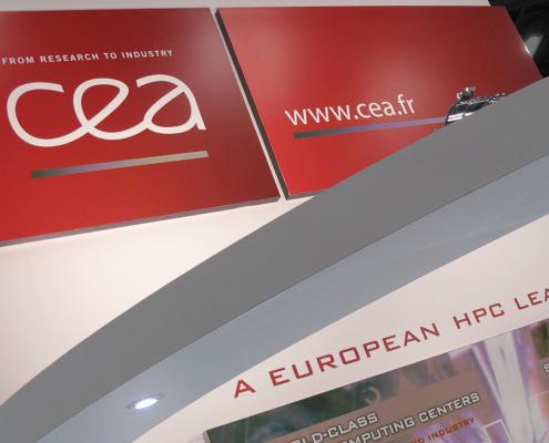 Stand-sur-Mesure-CEA-Super-Computing-2015-Enseigne-Logo